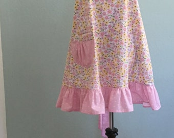 Cute Womens Country Cottage Handmade Full Apron/French Country/Kitchen Apron/Flirty Apron/Hostess Apron/Vintage Apron/Pink Ruffled Apron