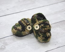 Crochet baby shoes, baby loafers, baby booties, camouflage booties shoes, infant shoes, camouflage outfit, camouflage shoes