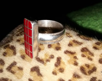 Sterling Silver Coral Inlaid Ring   Size 6