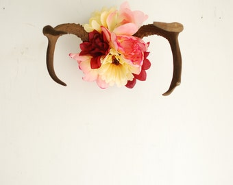 Real Vintage Floral Deer Antlers - Wildflowers Red Pink Sunflower Dahlia Wedding Wall Hanging Taxidermy 5 Point Boho Home Decor Decoration