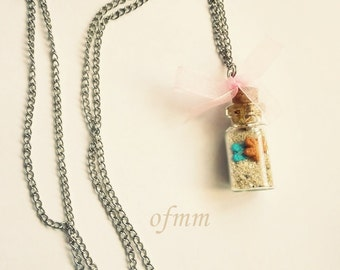 Sand boat necklace