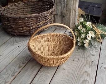 Small Wicker Basket - Vintage Handwoven Basket - Display Basket - Egg Basket - Home Decor - Country Kitchen