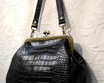 20.5 cm frame leather purse / evening bag / kiss lock bag / cross body clutch