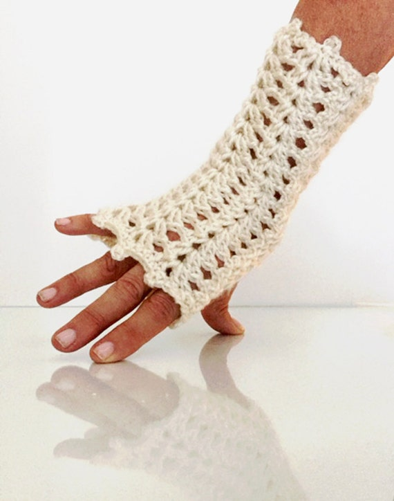 Claire Outlander Thistle Fingerless Gloves Cream Black Lace Lacy Mitts steampunk Texting Diana Gabaldon FREE SHIPPING