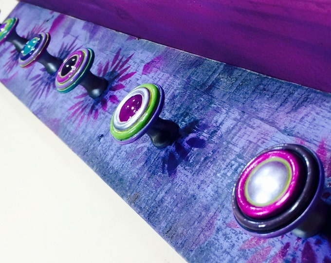 Bath Towel holder /bathroom towel rack / pallet wood art /wall hanging washroom organizer /floating shelf / boho decor 6 hand-painted knobs