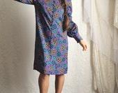 70s Mod Purple Paisley Dress // Vintage Polyester Long Sleeve Groovy 60s Dress // Size: M