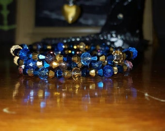 A lovely beaded bracelet in shades of gold and blue