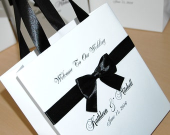 Wedding Welcome Bags with satin ribbon, bow and names - 25 Elegant Personalized Paper Bags White and Black Welcome to Our Wedding gift bags