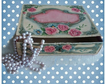 Vintage charming and shabby french jewelry box or drawer