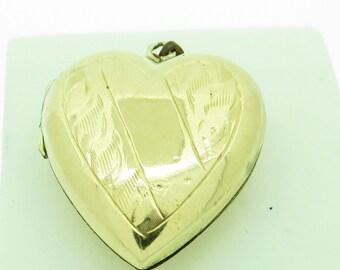 Vintage 9ct Gold Heart Shaped Locket (SKU199)