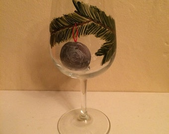 Ornament hand-painted wine glass