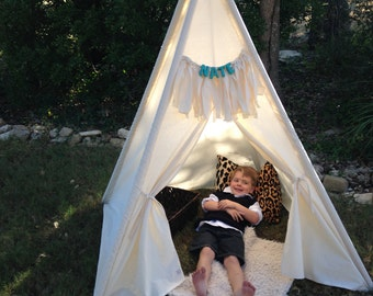 Kids canvas Teepee reading nook playtents
