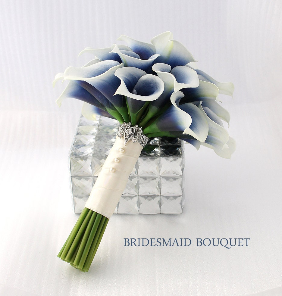 bridesmaid bouquet navy blue bouquet picasso blue calla lily. Black Bedroom Furniture Sets. Home Design Ideas
