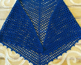 crochet shawl girl