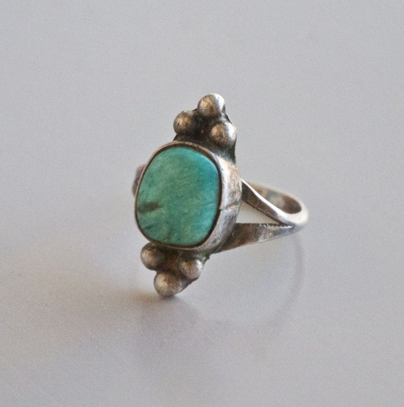 Vintage Petite Turquoise and Silver Bead Ring Sz 6.25