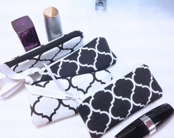 Lipstick Pouches, Set of 4 Lipstick Cases, Essential Oil Case, Lipbalm Case, Bridesmaid Gift, Quatrefoil, Small Zipper Pouch, Coin Case
