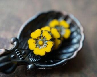 Yellow Daisies, Czech Flower Beads, Flower Beads, N1747