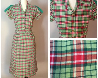 Vintage 1950s Cotton Day Dress Perky Plaid Print Modified A-line/column
