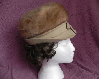 Beautiful Vintage or 1960's Wool Felt and Blonde Mink Fur Cloche Hat