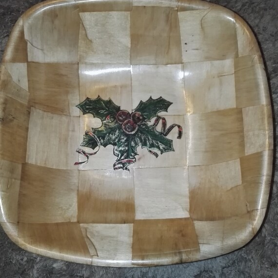 CHRISTMAS HOllY hand painted engraved NATURAL bamboo wooden bowl unique fruit /nut/ egg basket #christmas