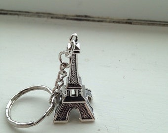 Silver Tone Eiffel Tower Keyring Paris French France Romance 3D