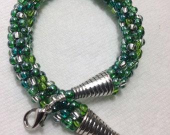 Green Kumihimo bracelet, beaded bracelet, bead weave bracelet, Mother's Day gift, Birthday gift, Gift for women, anniversary gift