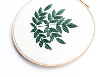 Aralia Spinosa Leaves Embroidery Hoop- Dark Green
