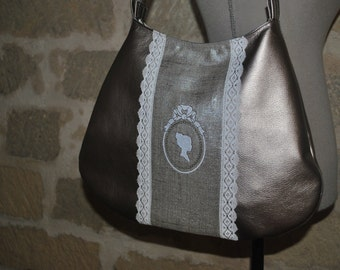 Handbag half moon in faux embroidered on silver lame linen