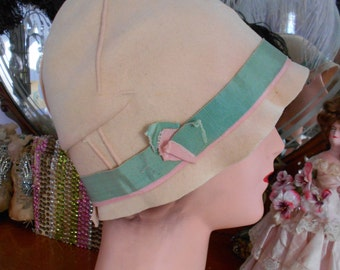 1920's Pink/Peach Flapper/Great Gatsby Cloche/Hat