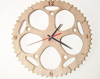 "Wooden wall clock - ""Chainring"""
