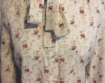 Vintage cream floral button down blouse/Small