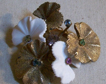 Vintage Articulated Flower Brooch Pin Rhinestone Gold Tone and White Rotating Floral Petals Unsigned Jewelry Unique Design