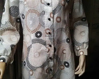 Vintage Circle Print Button Up Shift Dress