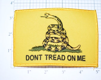 Don't Tread on Me - Snake - Yellow Background - Iron-On Patch - Gorgeous Intricate Detail -  oz2