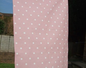 A Stylish organic cotton tea towel / kitchen towel in pink dotty design.