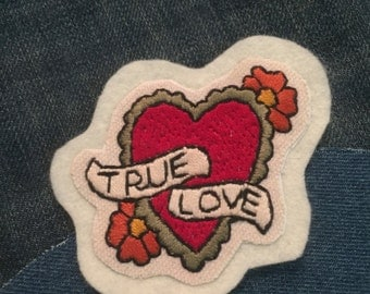 """""""True Love"""" hand-embroidered patch-patch"""