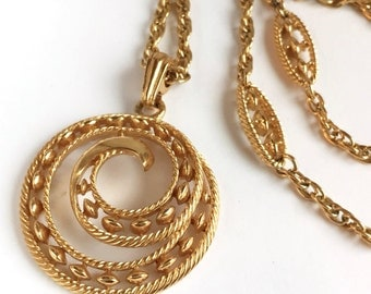 Awesome c1960 Crown Trifari Necklace