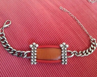 Leather and metal refurbished/recycled bracelet
