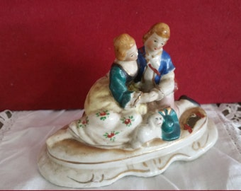 Small Victorian Courting Couple