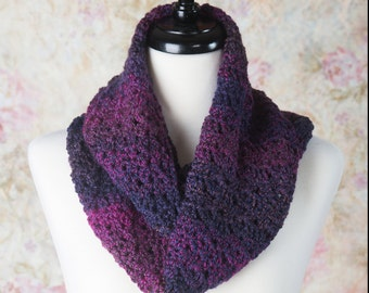 Infinity Scarf, Gift for her, Fashion Scarf, Womens  Scarf, Purple scarf, Circle Scarf, crochet scarf, Ladies Cowl, Loop scarf, winter scarf