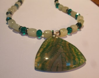 Beaded hand made necklace w/ Jade