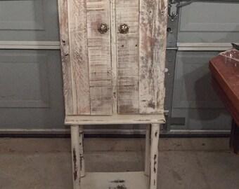 Rustic jewelry box