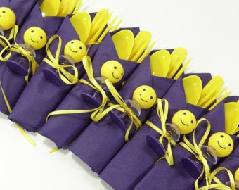 16 Smiley Face Party Cutlery Sets, Disposable cutlery, napkin and toy.