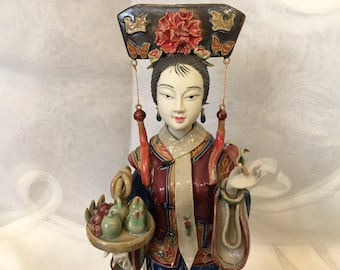 Porcelain Figurine of Qing Dynasty Concubine Shiwan Chinese Lady Majolica Style