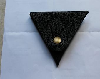 Original wallet with triangular shape