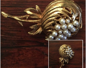 Vintage Big Goldtone Brooch with Pearls