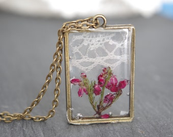 Lace flower necklace  Pressed Flower Necklace Real Flower Resin Jewelry Boho Necklace Unique Gift for Women Eco Resin Pendant Bridal Rustic