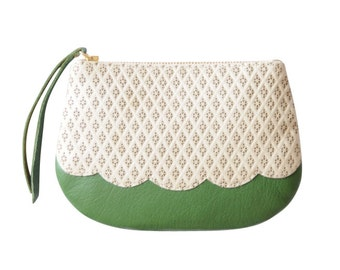 Leather Coin Purse, Green Leather Purse,  Pocket Venus Leather Purse,  Scalloped Edged Purse