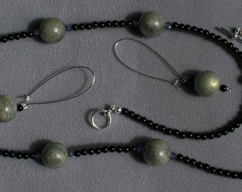 Labradorite And Onyx 26 inch Necklace With Earrings