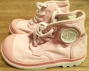Girls' Shoes: Vintage Palladium Pink Canvas High Top Sneakers, Little Girls' 10 ~ Very Good Condition